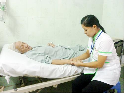 Dịch vụ chăm sóc người bệnh hiệu quả, uy tín và tận tâm