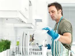 Tâm sự của nam sinh đi làm giúp việc